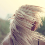 Jedwab do włosów – na czym polega jego fenomen